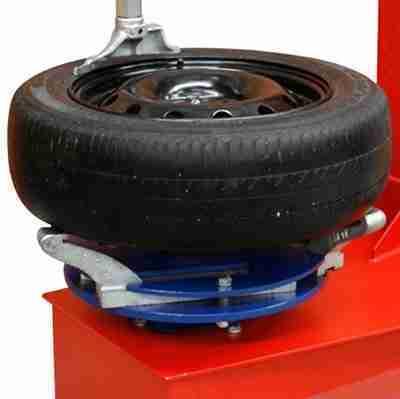Atende pneus de carros e motos
