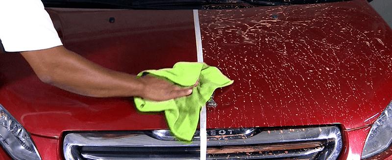 Como lavar o carro a seco?