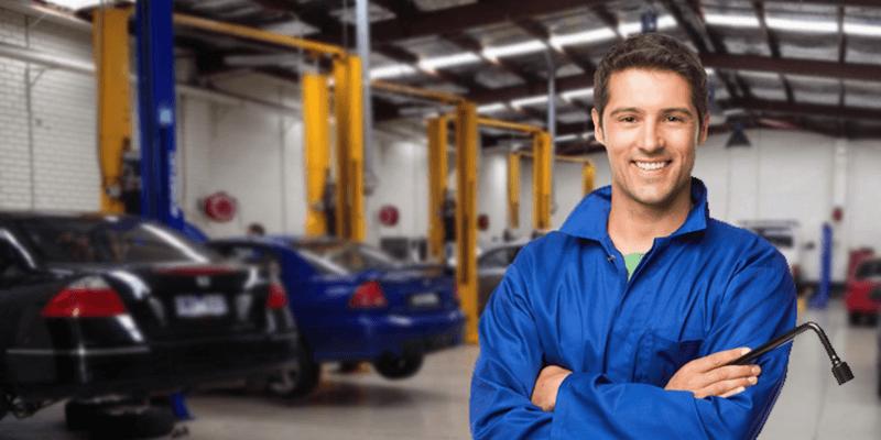 Quais são os equipamentos de uma oficina mecânica?