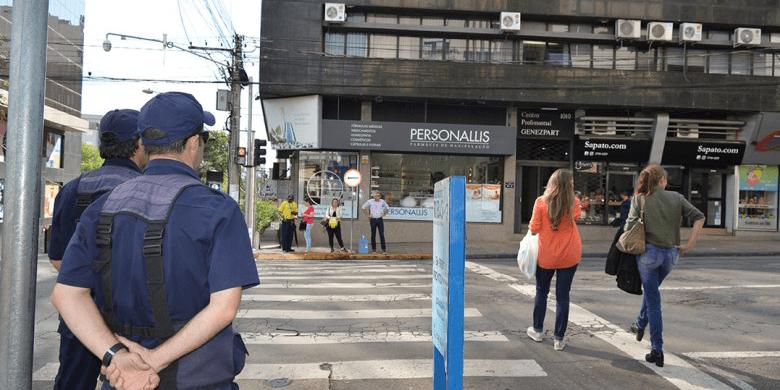 Por que dar multas para ciclista e pedestres?