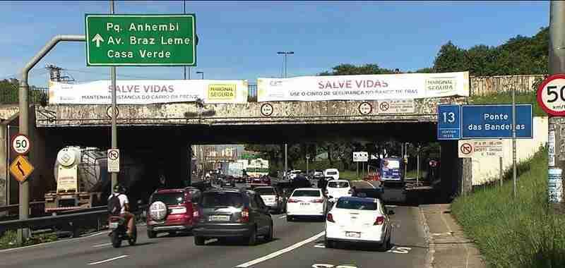 Por que São Paulo diminuiu o limite de velocidade máxima para 50 km/h