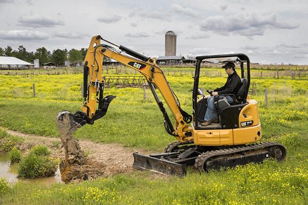 Miniescavadeira hidráulica CAT 303.5: Mais Desempenho e Eficiência