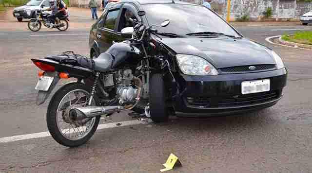Como evitar acidentes de moto