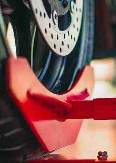 Rampa De Moto Pantográfica Trava-Rodas