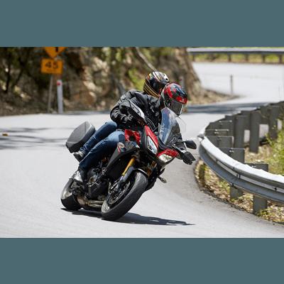 viajar de moto com YAMAHA TRACER