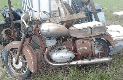 quais os perigos de ter gasolina vencida dentro do tanque da moto