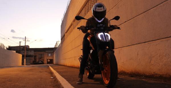 trocar o guidão original da moto prejudica a pilotagem